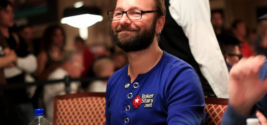 Negreanu urges to vote for someone who plans to legalize poker